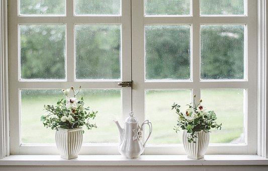 Правила ухода за деревянными окнами