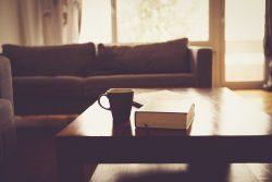 Как обновить полировку на мебели?